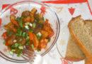 Азу по-татарски с солёными огурцами и свининой